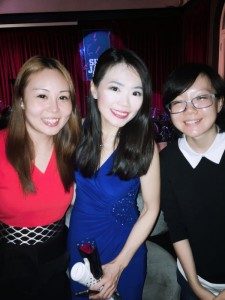 Reunion with student/friends Sissi Goh (L) and Kristen Png (R)